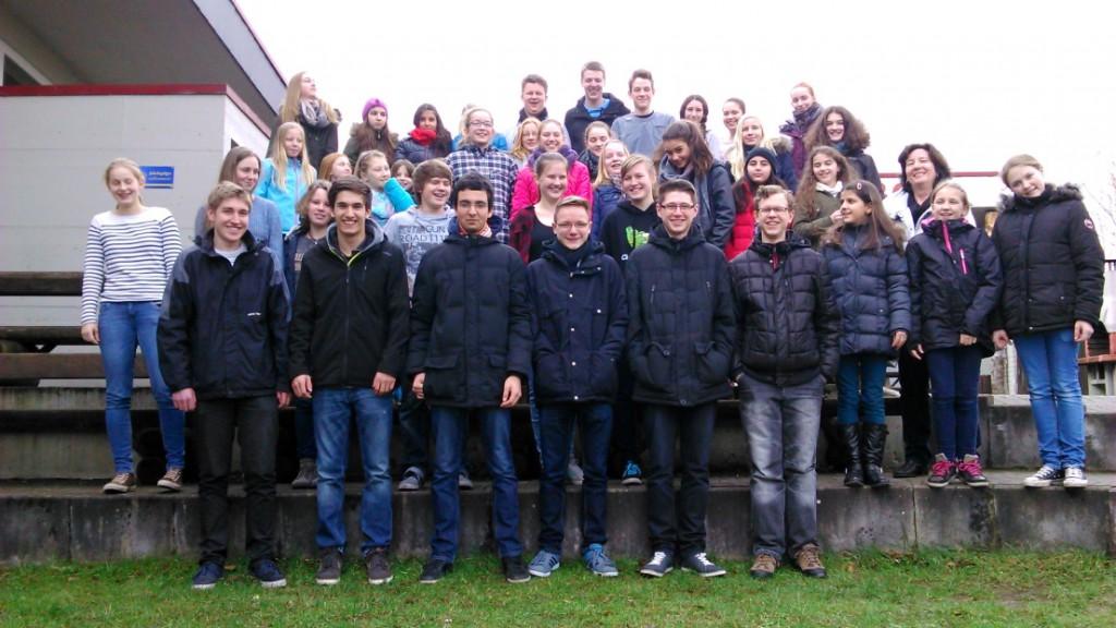 Probentage 2015, vor der Jugendherberge in Bad Driburg mit dem Chor
